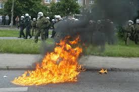Molotov cocktail - Simple English Wikipedia, the free encyclopedia